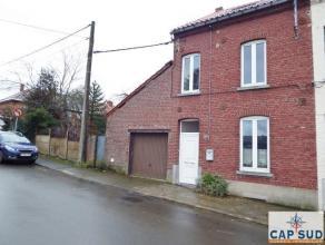 A proximité du centre et de toutes commodités, maison 3 façades (à rénover) sise sur un terrain de 6 ares 54 ca com