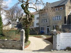 Magnifique maison de maitre 3CH, située en plein centre du joli village de Charneux. Beau jardin avec terrasse. Parking 2 voitures Constitu&eac