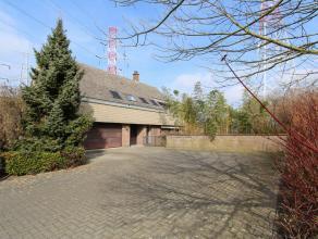 Deze villa BJ 1989 (perceelopp. van 1225m²) is gelegen in een zeer rustige en kindvriendelijke omgeving.  Daarnaast is de woning ideaal gesitueer