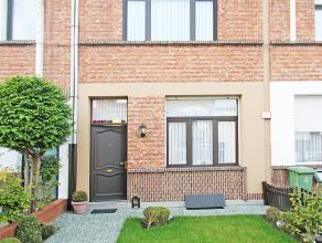 Uitstekend onderhouden eengezinswoning met drie slaapkamers en tuin op centrale locatie te Berchem!  Deze woning geniet volgende indeling:  Op de eers
