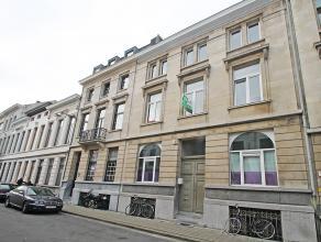Appartement met één slaapkamer op centrale locatie te Antwerpen!<br /> <br /> Dit appartement omvat een inkomhal, leefruimte (21m²)