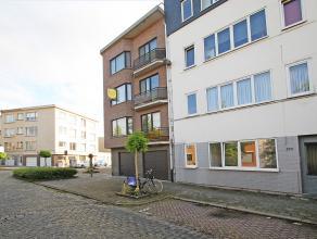 Gelijkvloers appartement met één slaapkamer en zuid-west georiënteerd terras te Berchem. <br /> <br /> Dit gelijkvloers appartement