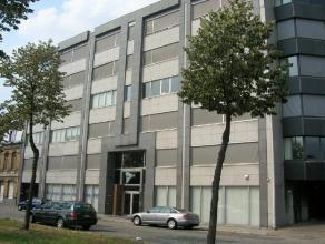 Centraal gelegen kantoorruimtes nabij alle belangrijke uitvalswegen (ring, A12, E 19, E 313/E 34 en Antwerpen Centrum).<br /> <br /> Beschikbaarheid