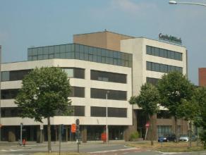 Uitstekend gelegen kantoorruimtes nabij alle belangrijke uitvalswegen (ring, A12, E 19, E 313/E 34 en Antwerpen Centrum).<br /> <br /> Beschikbaarhe