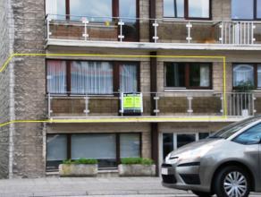 Aangenaam appartement nabij stadscentrum, bushalte, delhaize, .... Appartement gelegen op de 1st verdieping, omvattende inkomhal met vestiaire, apart