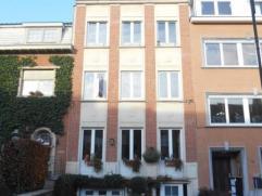 Laeken (réf 895): quartier Pagodes, au 2ème étage / 3, appartement entièrement remis à neuf composé d'un s&e