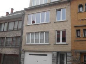 STROMBEEK-BEVER: Bel appartement 2 chambres (rénové en 2009) avec séjour, cuisine entièrement équipée, salle