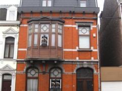 ANS: Magnifique maison de maître avec son caractère d'origine préservé: espace et volume pour une maison qui pourrait compt