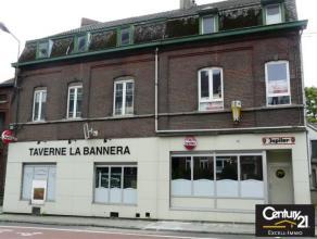 Proche du centre de Marcinelle et de la gare, cet immeuble  est une belle opportunité.  Le rez est à usage commercial ( horeca, bureau,
