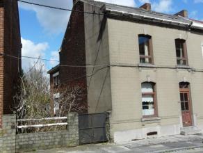 Située dans une rue calme de Marcinelle et proche de toutes les commodités, cette maison est totalement à rénover. Possibi