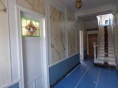 Prachtige burgerwoning volledig gerenoveerd met 5 slpks! Volledig gerenoveerd en instap klaar afgeleverd! Zeer ruime woning met wel 5 slaapkamers, een
