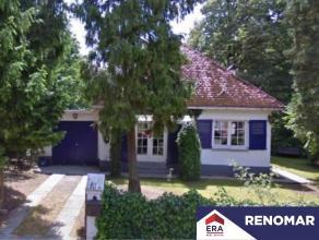 Te renoveren of te verbouwen open bebouwing op een grondoppervlakte van 1.350m². Deze woning is zeer goed en rustig gelegen doch nabij alle inval