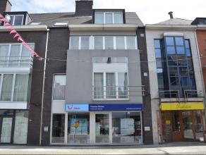 Recent instapklaar appartement midden in het centrum van Herentals vlak bij markt, scholen, openbaar vervoer en winkels met een mooi open zicht achter