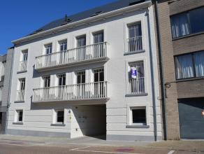 Prachtig nieuwbouwappartement met 2 slaapkamers en ruim terras in hartje Herentals. Dit zeer ruime appartement bestaat uit leefruimte met open keuken,