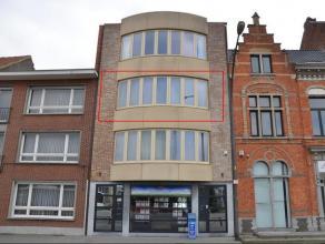 Zeer mooi afgewerkt appartement met ruim zuidgelegen terras, op de tweede verdieping van klein appartementsgebouw in het centrum van Herentals. Indeli
