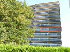 Zeer ruim en gerenoveerd appartement, gelegen op de zesde verdieping, Residentie Beatrijs 73 te Tienen, bewoonbare oppervlakte van 92m2 + terrassen va