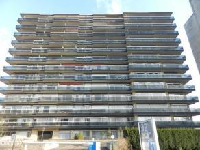 Leuk appartement, gelegen op de 4e verdieping, Residentie Beatrijs 66 te Tienen, bewoonbare oppervlakte van 120 m2 + 2 terassen. Het betreft een hoeka