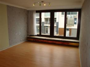 Leuk appartement gelegen in een zijstraat van de Zeedijk van Zeebrugge. Het appartement beschikt over een woonkamer met een halfopen ingerichte keuken