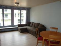 Praktisch ingerichte studio gelegen in een zijstraat van de Zeedijk. Leefruimte met slaapbank, keuken, badkamer met douche en toilet.