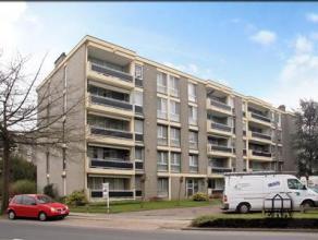 Appartement op 2de verdieping. Lift in het gebouw. Terras gericht op het oosten, private kelderberging en ondergrondse autostaanplaats. Indeling: woon