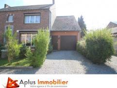 (Ville-en-Hesbaye)Aplus Immobilier, votre agence à 1% de commission vous propose cette spacieuse maison villageoise, 3façades, sise sur