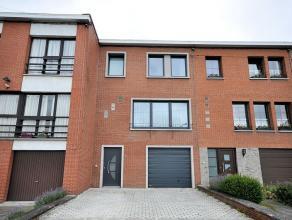 Réf. n°0941 - Maison d'habitation de type bel-étage comprenant au rez : hall d'entrée, garage une voiture, buanderie et pi&eg