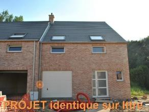 Hennuyères, limite Ittre, villa jumelée de 210m2, rez de chaussée offrant hall d'entrée, salle de séjour, une cuisi
