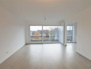 WILRIJK: RESIDENTIE VALKENVELD INSTAPKLAAR appartement op de 4de verdieping van ca 80m² met 2 slpks + bureau/berging + ondergrondse parking. Het