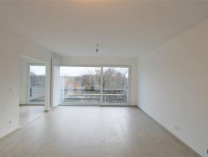 WILRIJK: RESIDENTIE VALKENVELD INSTAPKLAAR appartement op de 4de verdieping van ca 80m² met 3 slpks + ondergrondse parking. Het appartement met z
