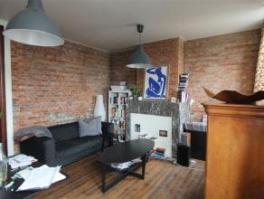 Compact maar comfortabel 1 slaapkamer appartement. Zeer licht appartement. Gans het appartement op planken vloer. Leefruimte met zeer aangename lichti