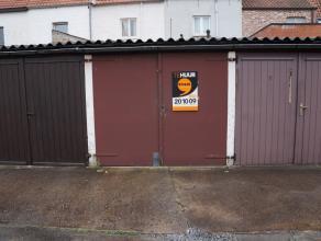 GARAGEBOX nr. 8 (16,50 m²) in het centrum van Brugge, omgeving Coupure, Predikherenrei, Astridpark. Makkelijke manoeuvreerruimte! Beschikbaar van