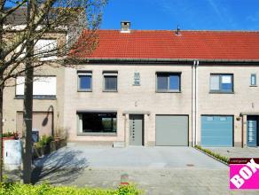 Prachtige eengezinswoning met garage en tuin, Vuurtorenwijk - Oostende! Uitstekend gelegen in een rustige woonwijk, in de nabijheid van een invalsweg