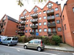 Loyer 750 €/mois + 50 € charges communes/mois. Très bel appartement sécurisé et meublé à deux pas
