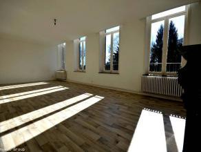 Loyer : 700 € - 50€ charges communes A VOIR!Bel et grand appartement situé au premier étage (avec ascenseur) d'u