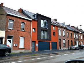 LOYER:650 + 30e de charges. possibilité de louer un garage à 60e.Mons, bel appartement 2 chambres, beau living avec cuisine équip