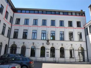 4000 Liège. Hyper-centre, Boulevard d'Avroy, 134. Appartement de Standing développant 300m² avec grande terrasse ombragée et
