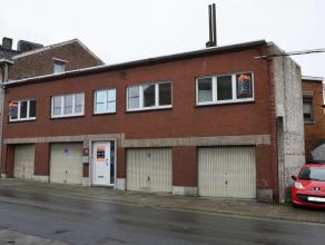4100 Seraing - Rue de l'échelle, 134. Maison bel étage 3 façades. Composée au RDC de 4 garages fermés, un hall d'en