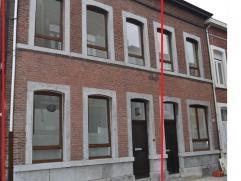Maison de ville Cette maison entièrement rénovée en 2014 (chaudière, châssis, électricité, plafonnage,