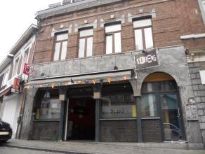 Maison Opportunité !!! Maison de commerce et d' habitation . Composition : cave de +- 35m2 , rez de chaussée commercial ( café )
