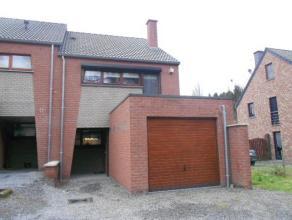 Maison Maison contemporaine, 3 chambres avec garage. Jolie maison trois chambres construite en 2008, composée ; au rez-de-chaussée, dun
