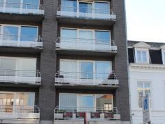 Deze knusse studio is centraal gelegen op de markt van Deinze. Dit appartement bestaat uit een leefgedeelte en slaapgedeelte, heeft naast een badkamer