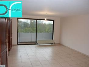 CARACTERISTIQUES : - Appartement dans un bâtiment en recul de voirie- Situé au 6ème étage- Ascenseur- Chauffage central com