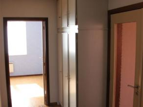 Bel appartement situé au rez-de-chaussée d'un immeuble à deux appartements, dans un quartier calme dénommé R&eacute