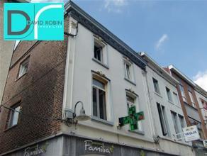 FLEURUS - Rue des Bourgeois, 13A - Bel appartement rénové récemment comprenant : hall d'entrée, wc séparé, l