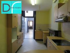 FLEURUS - Rue de Bruxelles, 25/Rez - Bel appartement situé au rez-de-chaussée d'un immeuble de 3 entités. Composition : Sé