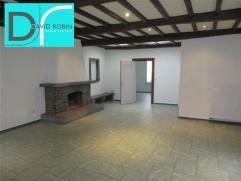 FLEURUS - Chaussée de Charleroi 226/1 : Spacieux appartement situé dans le centre-ville offrant hall d'entrée, Buanderie, salle d