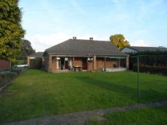 Option!!BONCELLES - Très beau bungalow deux chambres comprenant: un hall d'entrée (6,3 m²); un wc (1,2 m²); une salle de bains