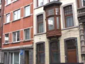 Liège centre, à deux pas de la gare des Guillemins, ancienne Seigneurie de 33 chambres offrant de nombreuses possibilités (seigne