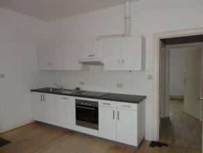 Spacieux appartement cuisine, séjour, deux chambres, un local réserve et une cave.Chauffage central individuel, chaudière gaz &ag