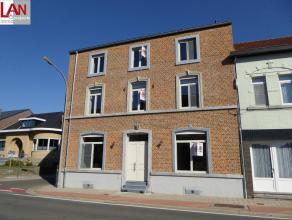 Exclusief nieuw appartement in kleinschalig project met slechts 4 appartementen in Landen. Inkomhall, toilette, badkamer met inloopdouche en lavabo, 2